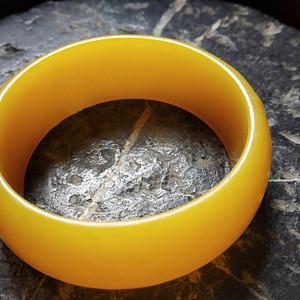 精品  纯天然鸡油黄波罗的海琥珀蜜蜡手镯