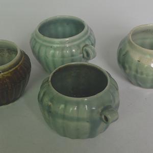 四个石湾窑鸟食罐