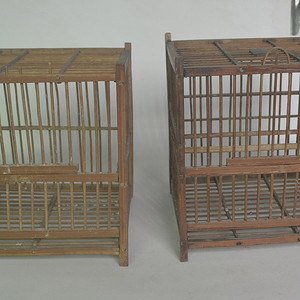 两个竹鸟笼