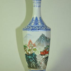 70 80年代粉彩薄胎小瓶