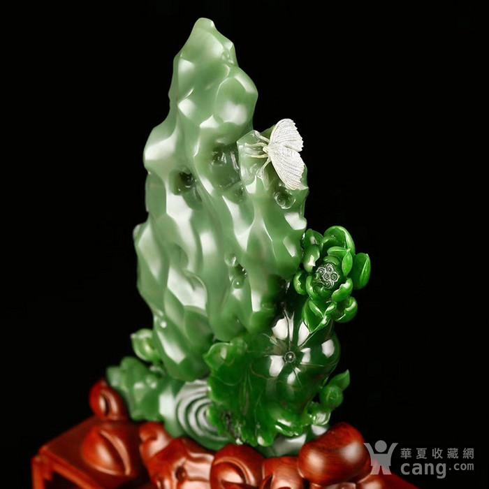 和田玉俄碧  荷摆件 白加绿老料雕刻  荷塘春色太湖石  大师精品收藏图3
