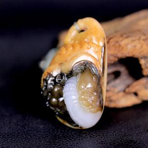 天然正品 苏工油皮巧雕 新疆和田玉籽料白玉吊坠 一念之间