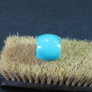 高瓷高蓝绿松石一枚