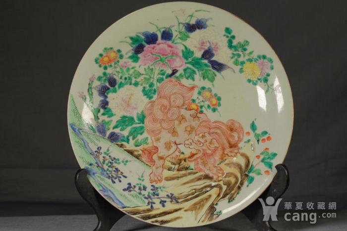 清代粉彩狮穿牡丹纹大盘图2