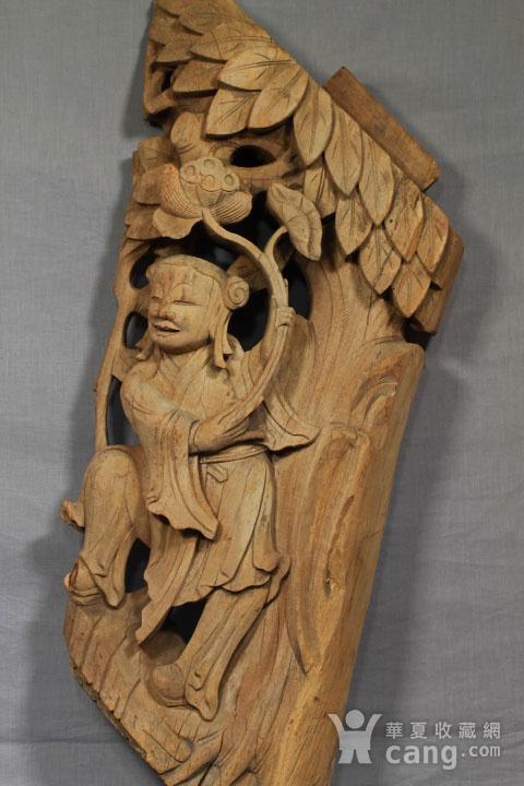 清代持莲童子大木雕 85厘米图2