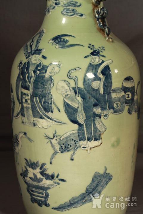 清代细路豆青堆白300件福禄寿喜财纹瓶图4