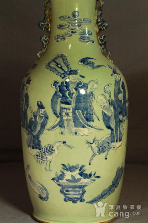 清代细路豆青堆白300件福禄寿喜财纹瓶图5