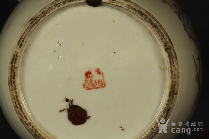 清代杨紫卿浅绛彩人物纹盖罐图11
