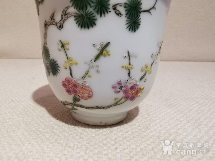 清.五彩花卉杯图3