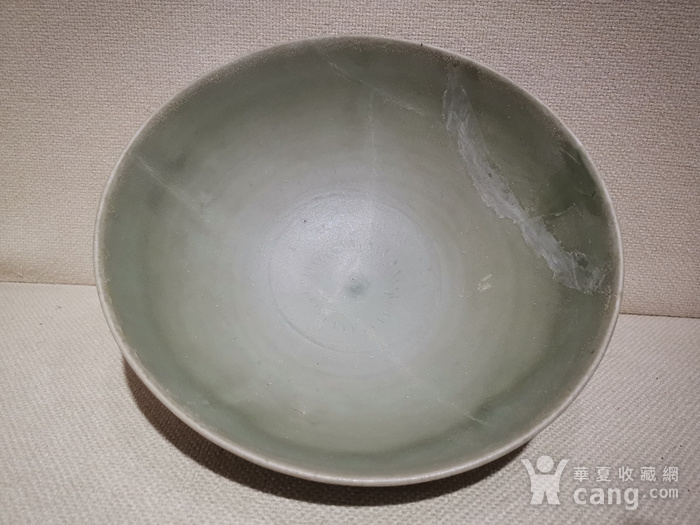 宋.龙泉窑梅子青带刻工碗图2