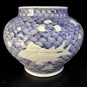 青花海浪纹鱼纹罐