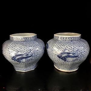 青花海浪纹鱼纹八方罐一对 柴窑