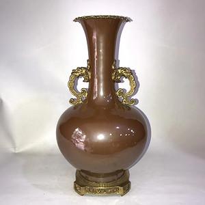精品回流本金咖啡釉镶铜双耳瓶