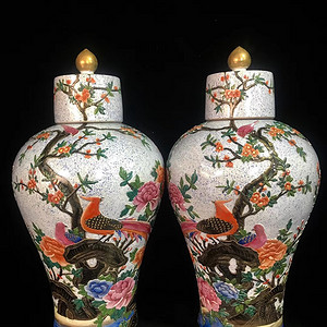 精品本金珐琅彩浮雕花开富贵纹梅瓶一对