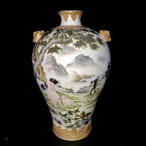 本金珐琅彩洋洋得意纹梅瓶