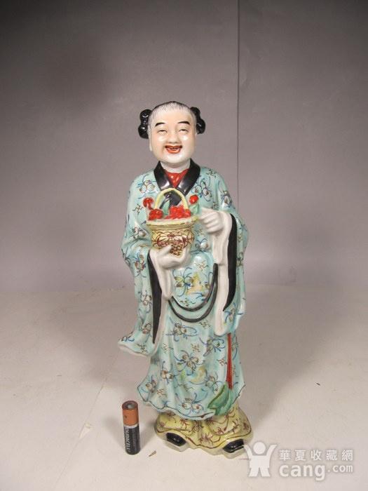 民国粉彩人物纹瓷塑图2