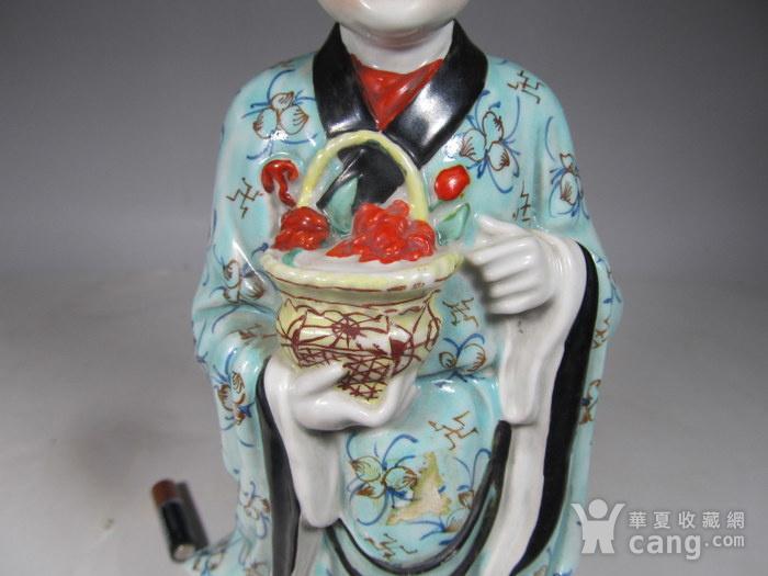 民国粉彩人物纹瓷塑图9