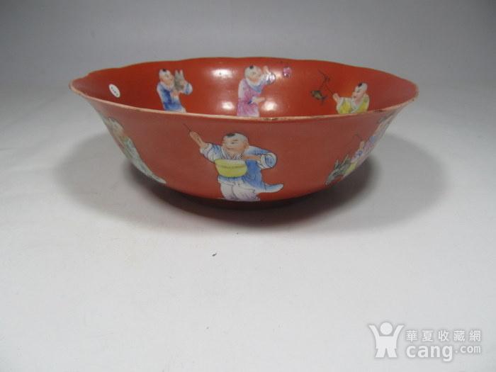 民国精品珊瑚红地婴戏碗图2