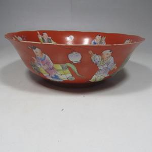 民国精品珊瑚红地婴戏碗