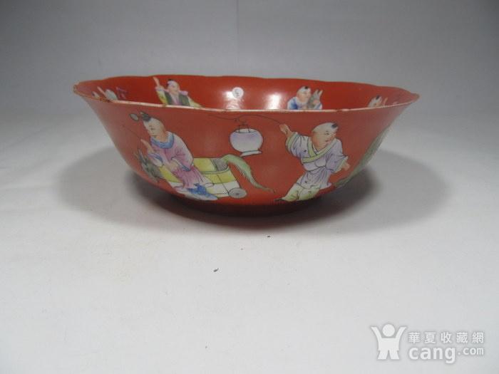民国精品珊瑚红地婴戏碗图1