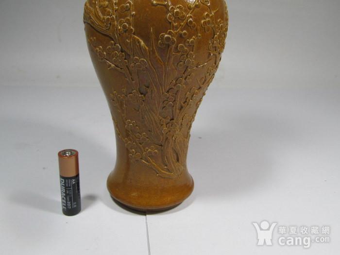 民国酱油釉堆花观音瓶图3