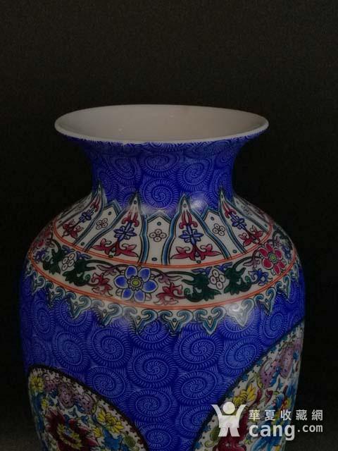 珐琅彩花卉纹瓶图4