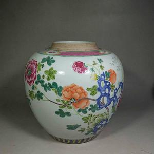 清粉彩洞石牡丹花卉罐