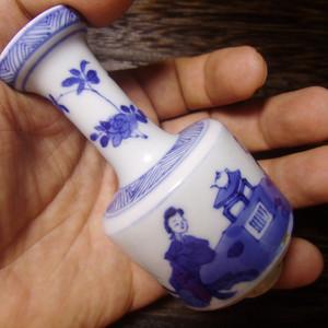 清 康熙青花仕女纹棒槌瓶