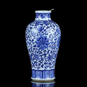 42清乾隆青花缠枝莲纹敞口梅瓶