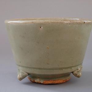 明 龙泉窑青釉三足琴炉