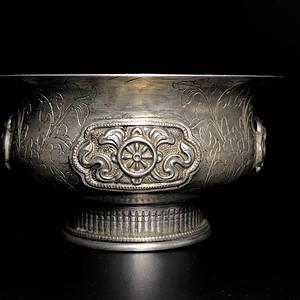 精品 清代浮雕银质供碗一件