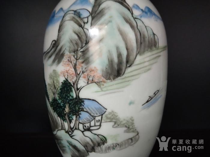 晚清绛彩山水瓶图8