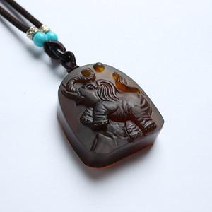 棕红缅甸琥珀大象吊坠 22KQ07