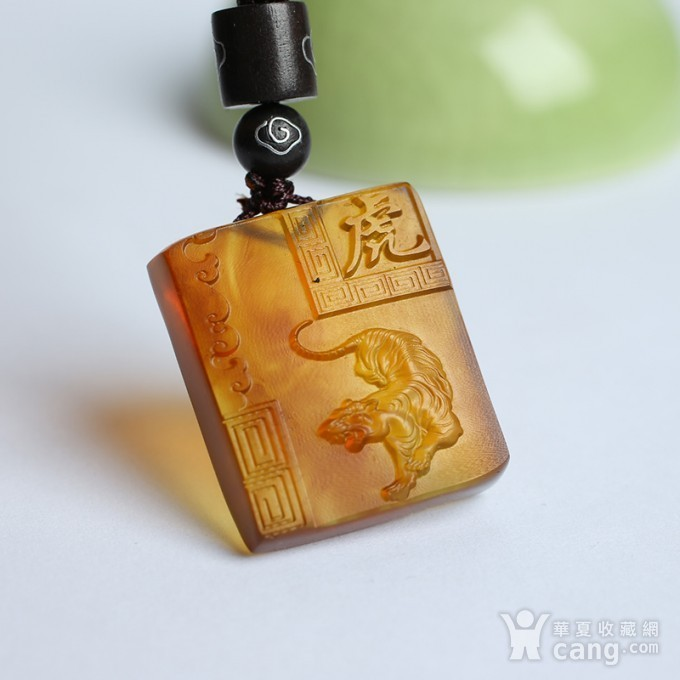 棕红缅甸琥珀生肖虎吊坠 22KQ04图1