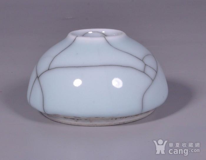 清中期哥釉开片马蹄水盂图2