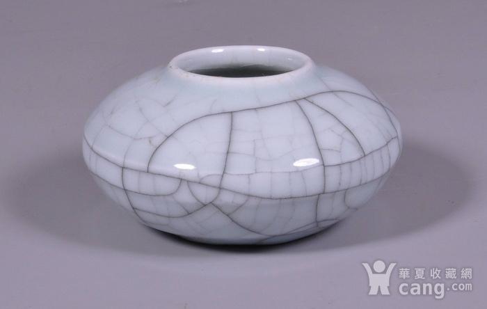 清中期哥釉开片马蹄水盂图3