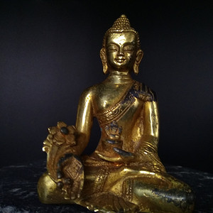 清代 鎏金释迦牟尼佛造像