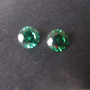 祖母绿宝石钻戒 保真