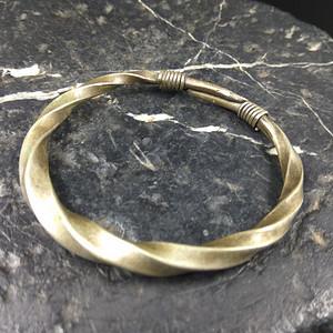 清代 绳纹银饰手镯