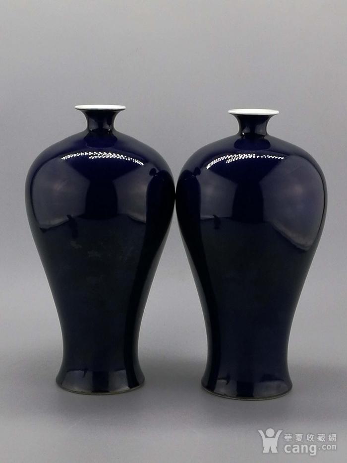 单色釉霁蓝釉梅瓶一对图1