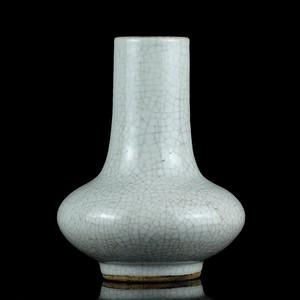 27清哥釉长颈瓶
