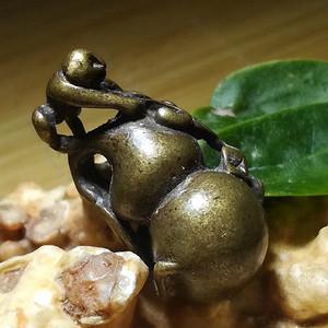晚清时期 铜质 精工铸造 灵猴贺寿 挂坠 做工精细