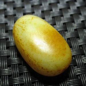 正宗 新疆 玉龙河 枣红皮 近羊脂级 籽料 玉质极其细腻