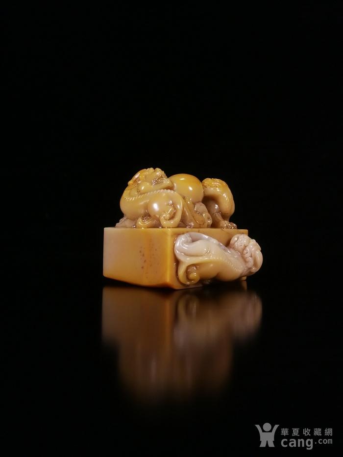 清寿山芙蓉石雕祥翁主人款三螭戏珠印章图8