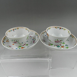 乾隆粉彩茶碟两套 联盟
