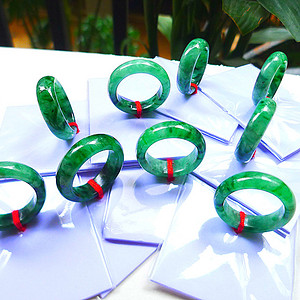 自然光实拍!天然A货好种绿戒指9个