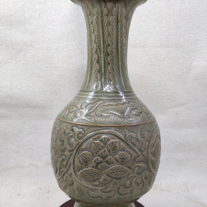 联盟 耀州刻花瓶