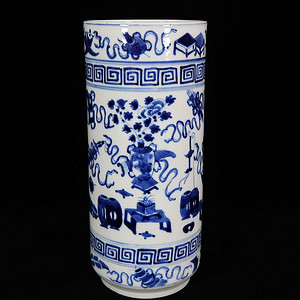 清代青花清供绘画筒瓶