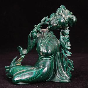 清代孔雀石侍女雕像