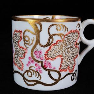 维多利亚时期粉彩描金花卉绘画执杯